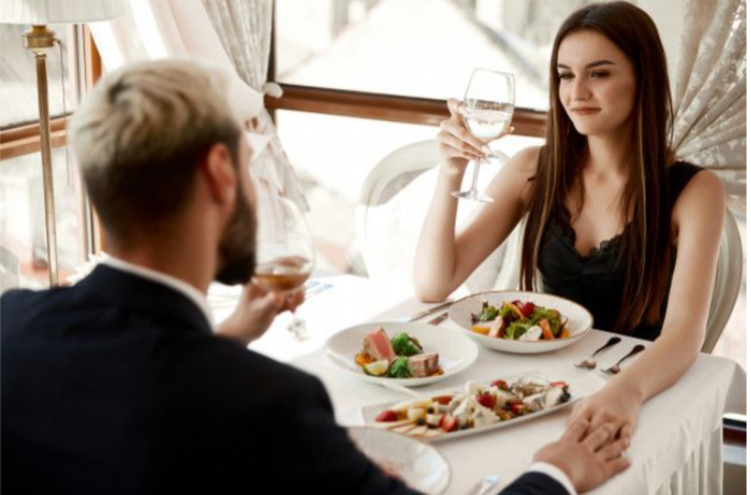 5 Ways Men And Women Date Differently, And First Date Tips For Both